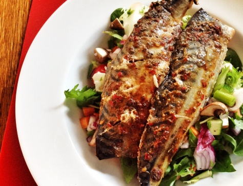 Hearty salad with mackerel