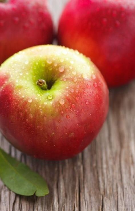 Lunch! An apple